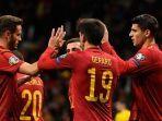 pemain-spanyol-berselebrasi-setelah-mencetak-sebuah-gol.jpg