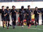 pemain-tim-sepakbola-psis-semarang-menjalani-latihan_20210525_115245.jpg