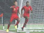 pemain-timnas-u-23-indonesia-osvaldo-haay-dan-marinus-wanewar.jpg