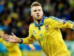 pemain-ukraina-andriy-yarmolenko_20151115_021019.jpg