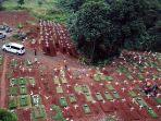 pemakaman-dengan-protap-covid-19-di-tpu-pondok-ranggon_20200529_152003.jpg