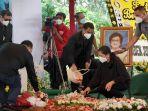 pemakaman-istri-menkumham-yasonna-laoly-elisye-w-ketaren_20210612_155152.jpg