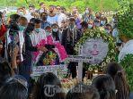 pemakaman-jenazah-mia-tresetyani-wadu-kamis-21-januari-2021.jpg