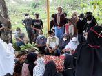 Ratusan Orang Hadiri Pemakaman Sapri Pantun di TPU Ulujami Jakarta Selatan