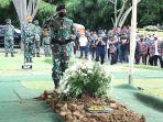 pemakaman-jenderal-tni-purn-djoko-santoso-di-san-diego-hills_20200510_210928.jpg