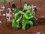 pemakaman-khusus-korban-covid-19-di-tpu-pondok-ranggon_20200504_233222.jpg