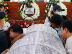 pemakaman-korban-militer-myanmar.jpg