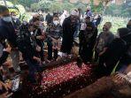pemakaman-musisi-oddie-agam_20211027_212047.jpg
