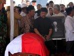 pemakaman-pengacara-adnan-buyung-nasution_20150924_173628.jpg