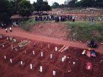pemakaman-protap-covid-19-di-tpu-pondok-ranggon_20200908_182331.jpg