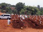 pemakaman-protap-covid-19-di-tpu-pondok-ranggon_20200908_183005.jpg