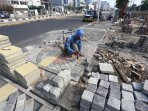 pemasangan-conblok-trotoar-gunung-sahari_20151202_144959.jpg