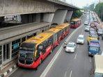 pembatas-beton-jalur-busway_20151215_114040.jpg