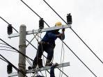 pemeliharaan-jaringan-listrik-di-samarinda_20191108_011809.jpg