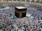 pemerintah-arab-saudi-stop-kunjungan-jemaah-umroh.jpg