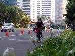 pemprov-dki-evaluasi-pelebaran-jalur-sepeda-sudirman-thamrin_20200719_233615.jpg