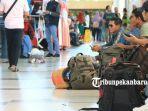 pemudik-di-bandara-sultan-syarif-kasim-ii-pekanbaru.jpg