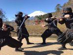 penampilan-ninja-di-yamanashi-jepang_1.jpg