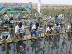 penanaman-5000-bibit-mangrove-oleh-komunitas-mangrove-muara-angke.jpg