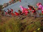 penanaman-bibit-mangrove-di-demak_20160130_191610.jpg