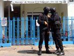 penangkapan-terduga-teroris-di-malang_20170619_223343.jpg