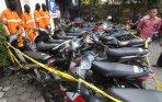 penangkapan-tersangka-pencurian-motor_20141203_180352.jpg