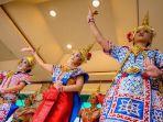 penari-tradisional-thailand.jpg