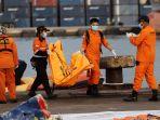 pencarian-korban-dan-puing-pesawat-sriwijaya-air-sj-182_20210117_012725.jpg