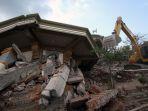pencarian-korban-gempa-lombok_20180807_211610.jpg