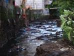 pencemaran-sungai_20160722_113051.jpg