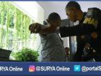 pendeteksi-logam-di-pemkot-surabaya_20161020_231129.jpg