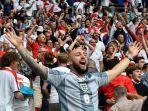 pendukung-inggris-merayakan-gol-pembuka-lawan-jerman-di-16-besar-2021.jpg