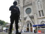 pengamanan-kamis-putih-di-gereja-katedral-jakarta_20210401_180858.jpg