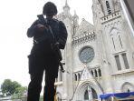 pengamanan-kamis-putih-di-gereja-katedral-jakarta_20210401_180912.jpg