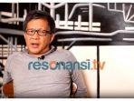 pengamat-politik-rocky-gerung-dalam-channel-youtube-resonansi-tv-jumat-1012020.jpg