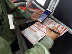 pengembalian-dana-tiket-kereta-api-di-stasiun-pasar-senen_20200424_185159.jpg