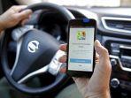 pengemudi-menggunakan-google-maps-saat-berkendara.jpg
