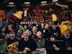 penggemar-as-roma-bersorak-sebelum-pertandingan-sepak-bola-serie-a-antara-juventus-dan-as-roma.jpg