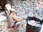 pengolahan-sampah-plastik-di-kampung-pemulung-rawamangun_20190220_203509.jpg