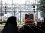 pengoperasian-commuterline-jakarta-kota-tanjung-priok_20151225_170536.jpg