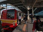 pengoperasian-jalur-layang-stasiun-manggarai_20211008_005551.jpg