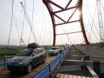 pengoperasian-sementara-jembatan-kali-kuto-untuk-arus-mudik_20180613_182234.jpg