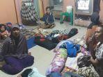 pengungsi-asal-desa-pattongko-mengungsi-ke-desa-era-baru_20181002_100920.jpg