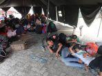 pengungsi-bencana-gempa-mamuju-sulbar-di-tenda-penampungan_20210119_145726.jpg