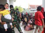 pengungsi-bencana-gempa-mamuju-sulbar-di-tenda-penampungan_20210119_150249.jpg