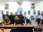 pengurus-asosiasi-media-siber-indonesia-amsi_20170921_044813.jpg