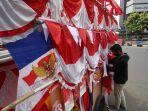 penjual-bendera-merah-putih-musiman-jelang-hut-ri-ke-75_20200720_155247.jpg