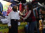 penjual-seragam-sekolah-di-pasar-blauran-sepi-pembeli_20200707_180743.jpg