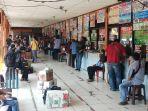penjualan-tiket-bus-anjlok-di-terminal-kalideres-jakarta_20210426_210635.jpg