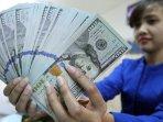 penukaran-mata-uang-dolar-as_20150304_145702.jpg